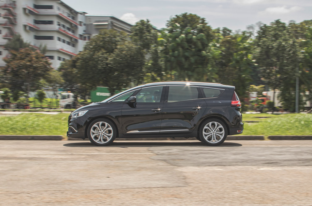 renault grand scenic action