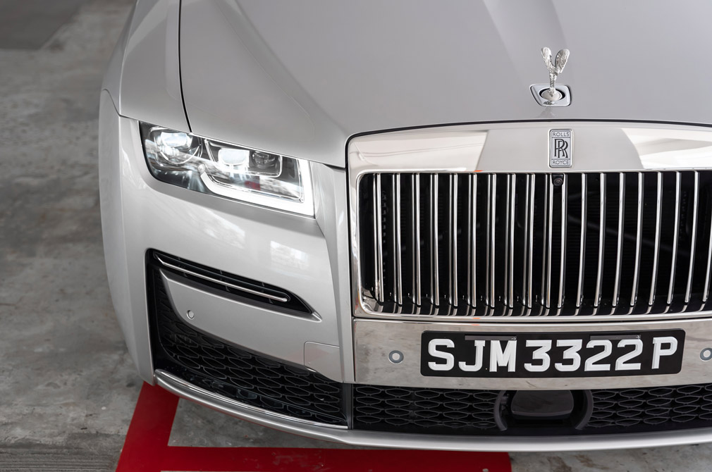 rolls-royce ghost extended grille