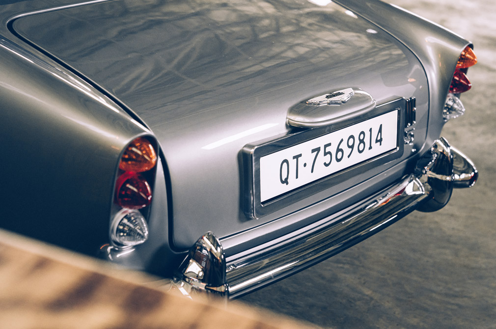 aston martin db5 no time to die edition rear