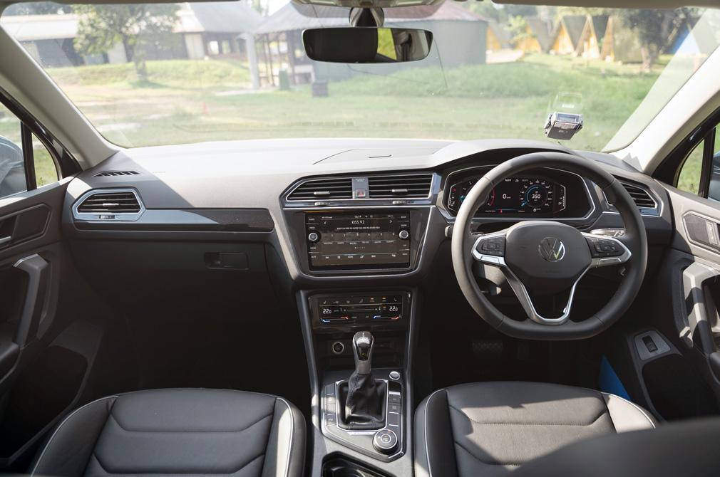 volkswagen tiguan cockpit